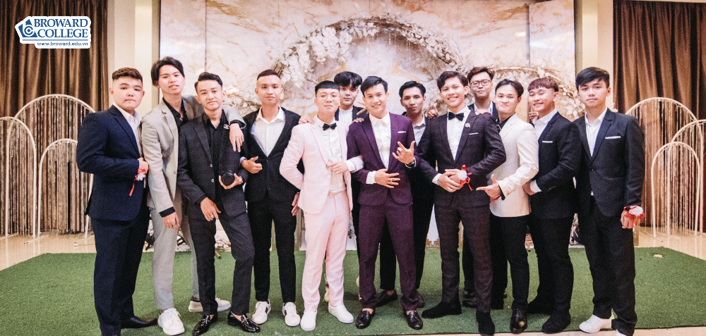 Prom Đại học Broward Vietnam
